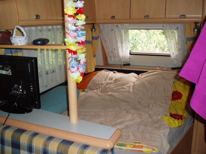 Wohnwagen Etagenbetten Gebraucht Schleswig Holstein : Hobby kmfe de luxe easy gebraucht wohnwagen gebrauchte
